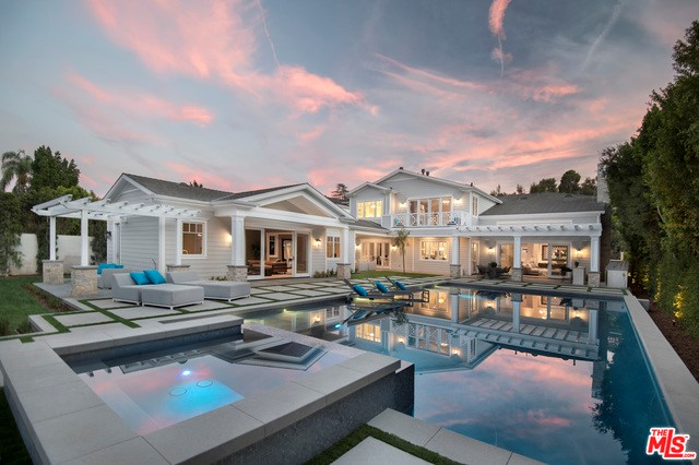 Single Family Home for Sale at 16003 Valley Vista Encino, California 91436 United States