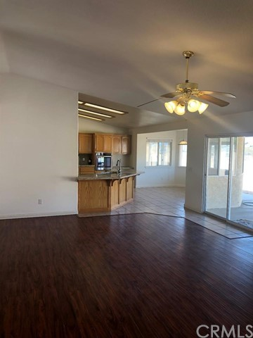 24030 Cahuilla Road, Apple Valley CA: http://media.crmls.org/mediaz/DE7D1099-D447-45A9-A98F-24DC8E6DE830.jpg