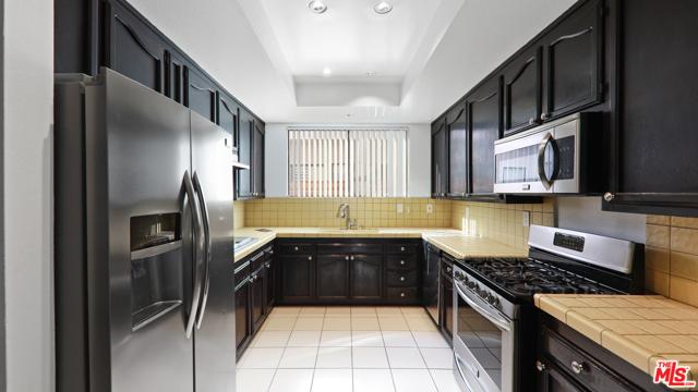 234 S Tower Drive, Beverly Hills CA: http://media.crmls.org/mediaz/DE828DE1-7EA0-4495-917D-0D086982B140.jpg