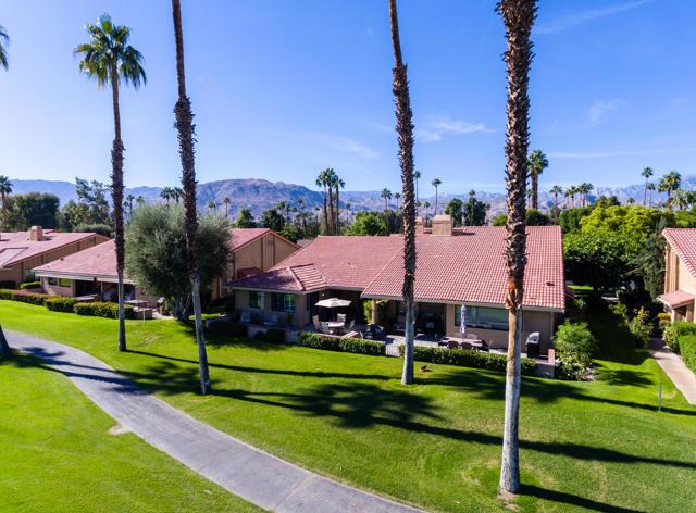 122 Conejo Circle, Palm Desert CA: http://media.crmls.org/mediaz/DE884B27-6500-458C-817D-EF44398715D1.jpg