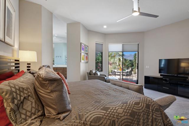 15 Birkdale Circle, Rancho Mirage CA: http://media.crmls.org/mediaz/DEF3CAAC-F0EB-438E-8E73-339C8FA2CAE3.jpg