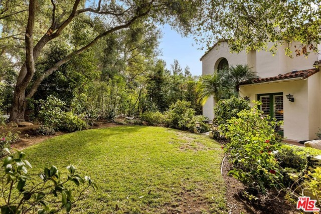 492 Monarch Lane, Santa Barbara CA: http://media.crmls.org/mediaz/DEFFCE38-BB52-485B-945B-984CC1F25FC0.jpg