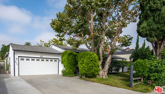8815 Croydon Los Angeles CA 90045