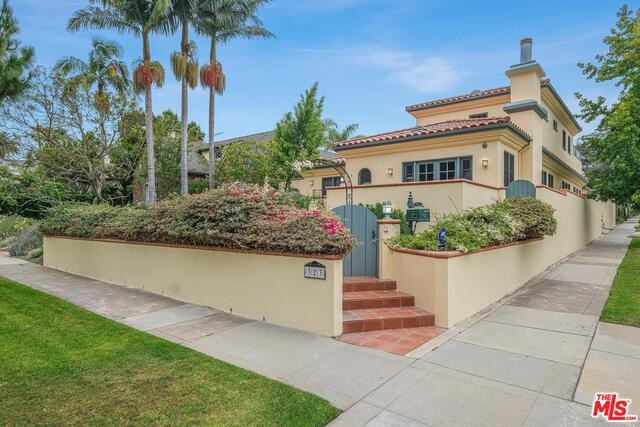 323 9TH Santa Monica CA 90402