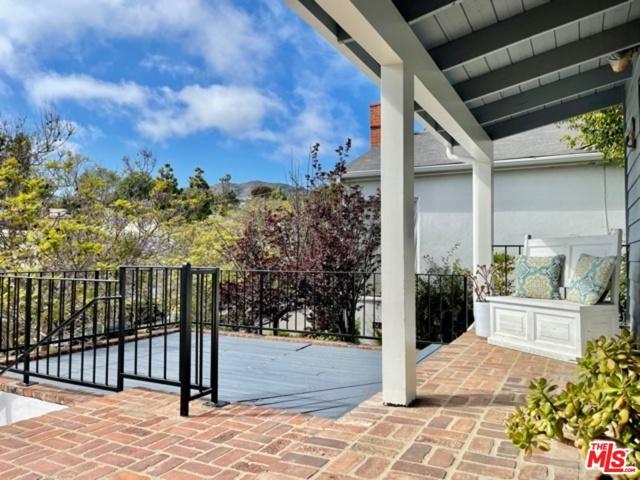 736 MUSKINGUM Avenue  Pacific Palisades CA 90272
