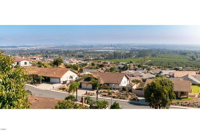894 High Point Drive, Ventura CA: http://media.crmls.org/mediaz/DFB6918E-FDF0-40EA-811F-EFCB7F2B6C47.jpg