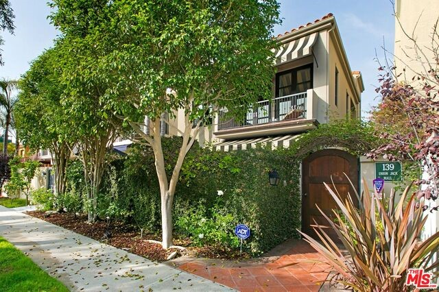 Single Family Home for Sale at 139 Union Jack Mall Marina Del Rey, California 90292 United States