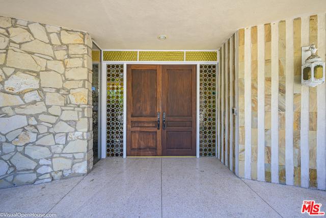 903 Linda Flora Dr, Los Angeles, CA 90049 Photo 3