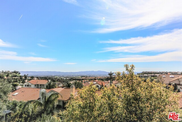 19648 FALCON RIDGE Lane Northridge, CA 91326 is listed for sale as MLS Listing 17208010