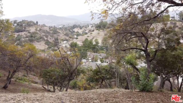 919 Rome Drive, Los Angeles CA: http://media.crmls.org/mediaz/E01B1AD2-384F-4A0D-B65D-7C7057D22A51.jpg