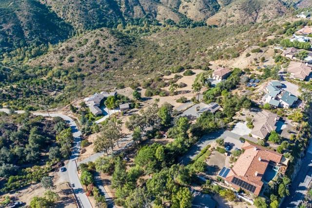 0 Santa Margarita Dr, Fallbrook CA: http://media.crmls.org/mediaz/E0327A5A-BA21-4E83-8862-67FF34334C1A.jpg
