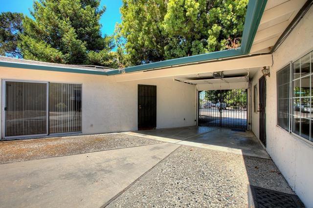 536 Hawthorn Avenue, Sunnyvale CA: http://media.crmls.org/mediaz/E0687EAD-97F2-470B-AEC6-7F68AB9DAAAF.jpg