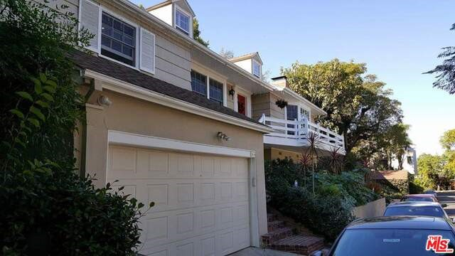 Single Family Home for Sale at 3414 Knoll Drive N Hollywood, California 90068 United States