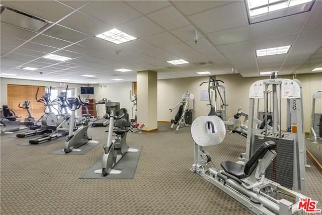 4050 Glencoe Avenue, Marina del Rey CA: http://media.crmls.org/mediaz/E08ADDC1-5FA2-4886-A99D-D82B3EC152ED.jpg