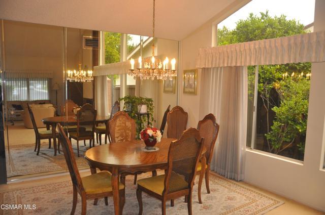 2024 Rosebay Street, Westlake Village CA: http://media.crmls.org/mediaz/E0D7E588-6E6F-49DB-A52E-9384A1958396.jpg