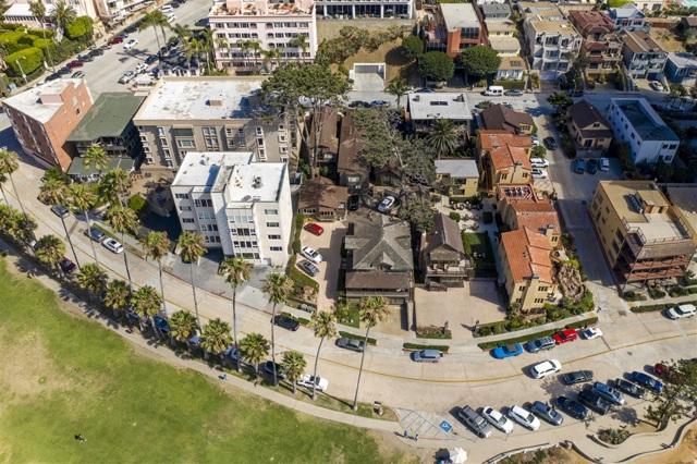 1021 Coast Blvd, La Jolla CA: http://media.crmls.org/mediaz/E0E709AE-7304-49CD-A3A4-7FAFF8C35D9F.jpg