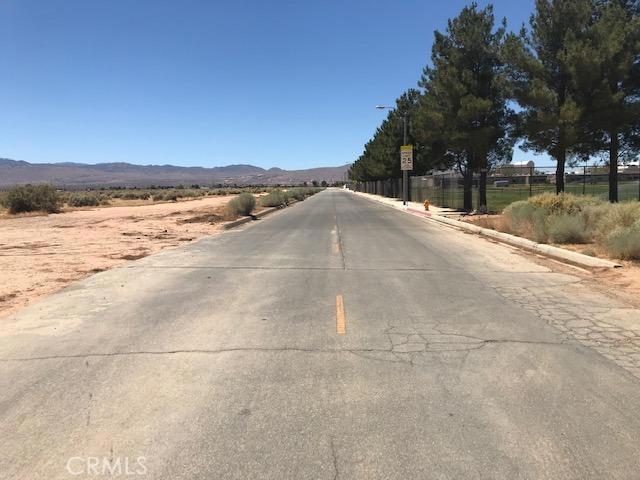 0 Mesquite Road, Apple Valley CA: http://media.crmls.org/mediaz/E1E1E53A-F142-4157-B2FF-108DFA3651AA.jpg