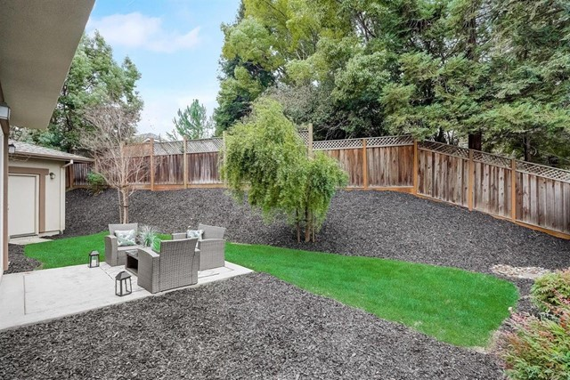 16745 Lone Hill Drive, Morgan Hill CA: http://media.crmls.org/mediaz/E26AEF60-062F-41D0-90AB-3A1915B2CE7E.jpg