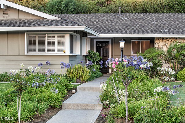 1275 Sunnycrest Avenue, Ventura CA: http://media.crmls.org/mediaz/E2735D88-CFB2-41EB-A961-ECBAC58A7D58.jpg