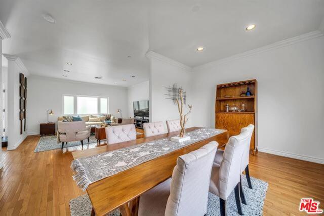 3625 Beverly Ridge Drive, Sherman Oaks CA: http://media.crmls.org/mediaz/E28A5745-34A0-4F77-956A-3E6F05C9F8E9.jpg