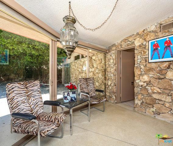 1350 Ladera Circle, Palm Springs CA: http://media.crmls.org/mediaz/E2D55892-FD4C-497C-B89D-55F4A3CBECBD.jpg