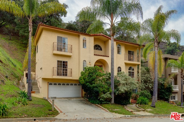 Single Family Home for Sale at 2804 Glenoaks Canyon Drive Glendale, California 91206 United States