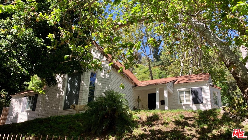 1524 BENEDICT CANYON Drive #  Beverly Hills CA 90210