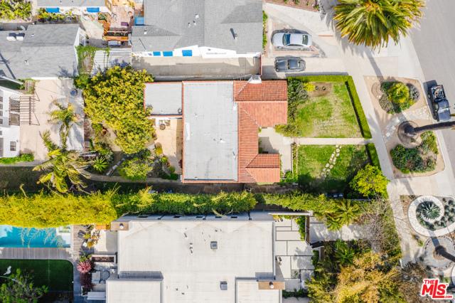 3875 Marcasel Ave, Los Angeles, CA 90066 photo 32