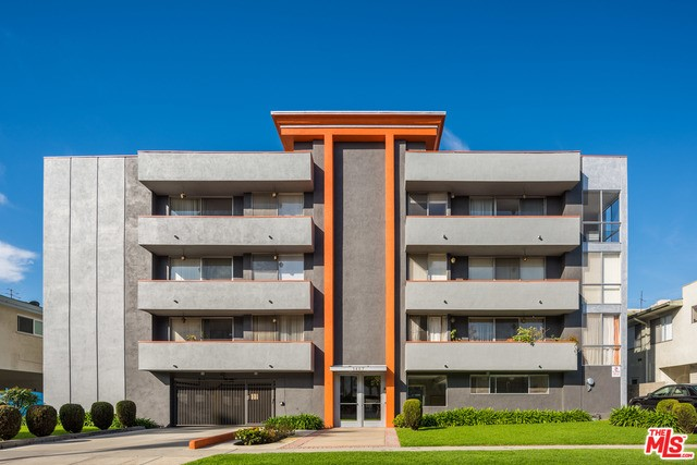 Condominium for Rent at 1467 Rexford Drive Los Angeles, California 90035 United States
