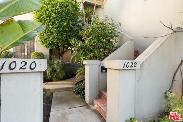 1020 S ALFRED Street, Los Angeles CA: http://media.crmls.org/mediaz/E46715AA-BCE9-425E-B60C-A3623EC86F15.jpg