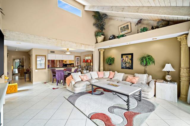 369 Wimbledon Drive, Rancho Mirage CA: http://media.crmls.org/mediaz/E4C7513E-BDE3-476C-8619-8D641F06F697.jpg