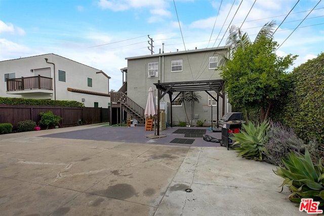 1438 S Stanley Avenue, Los Angeles CA: http://media.crmls.org/mediaz/E4E53A00-B7E4-46CE-8948-7D75BFAA7592.jpg