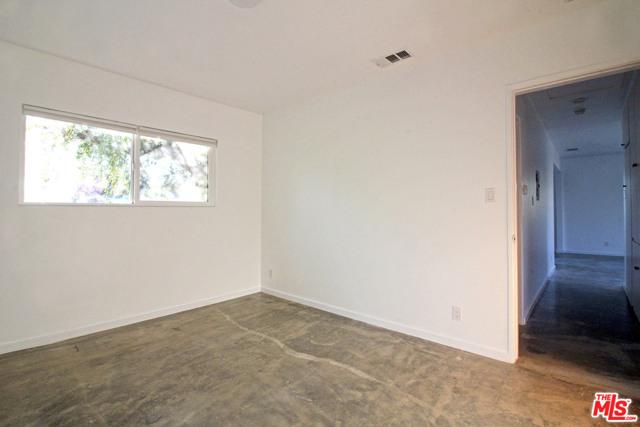 4110 Division Place, Los Angeles CA: http://media.crmls.org/mediaz/E554A14A-F3A6-4559-B8B8-4F1D687ABB47.jpg
