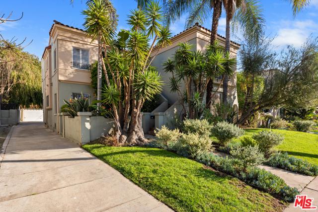 1020 S ALFRED Street, Los Angeles CA: http://media.crmls.org/mediaz/E56E749B-E418-46C6-B75E-175798B71819.jpg