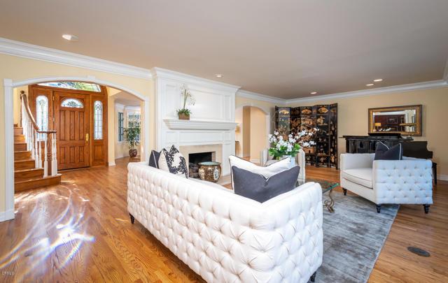 511 Berkshire Avenue, La Canada Flintridge CA: http://media.crmls.org/mediaz/E573A04A-D608-410D-BC10-A3036E4E9625.jpg