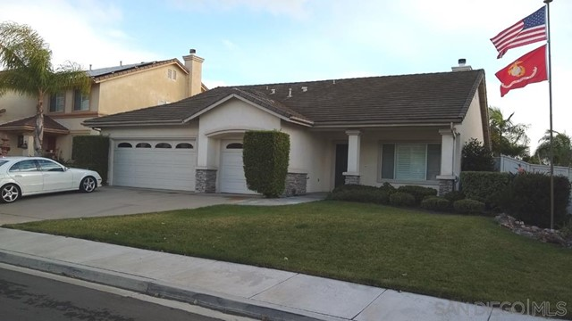 452 Lexington Cir, Oceanside CA: http://media.crmls.org/mediaz/E58410AC-272D-417C-92DF-C7B5FBB399B5.jpg