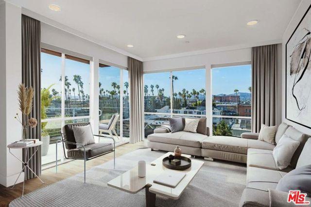 453 S KENMORE Avenue, Los Angeles CA: http://media.crmls.org/mediaz/E585D97D-7D8C-4E62-8035-13C247C63691.jpg