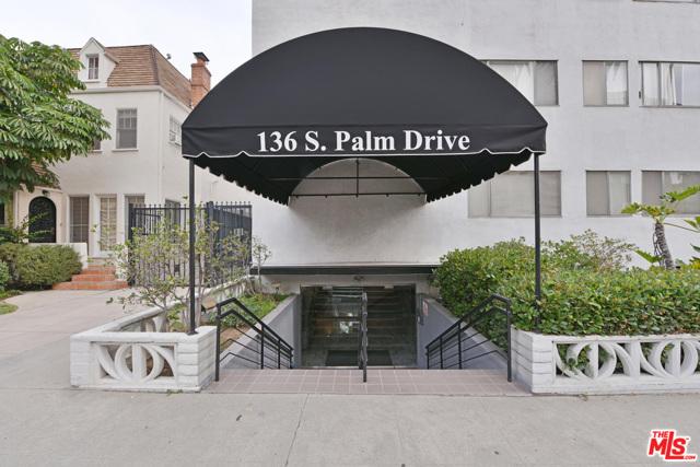 136 S PALM Drive, Beverly Hills CA: http://media.crmls.org/mediaz/E5D88EE5-79D2-4DEC-8957-1F9AA0C80849.jpg