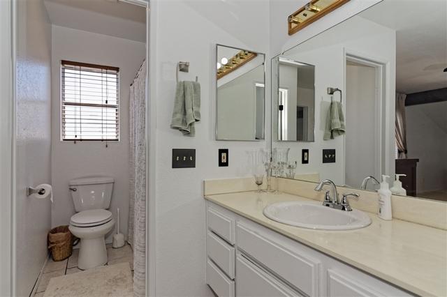 6908 Sandleford Way, San Diego CA: http://media.crmls.org/mediaz/E5DBE886-41F2-43C3-AD19-642A325D8E40.jpg