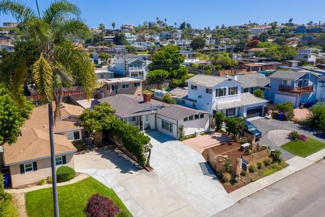 1164 Turquoise St, San Diego CA: http://media.crmls.org/mediaz/E5E5D7B6-083B-4893-9413-395A01D8BADF.jpg