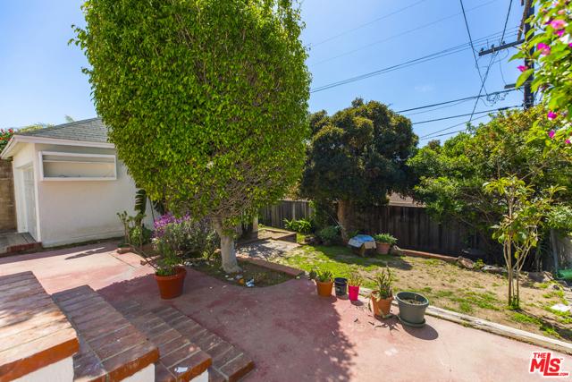 8037 Kenyon Ave, Los Angeles, CA 90045 photo 11