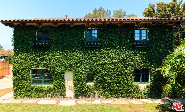 Single Family Home for Sale at 86 Skyline Circle Santa Barbara, California 93109 United States