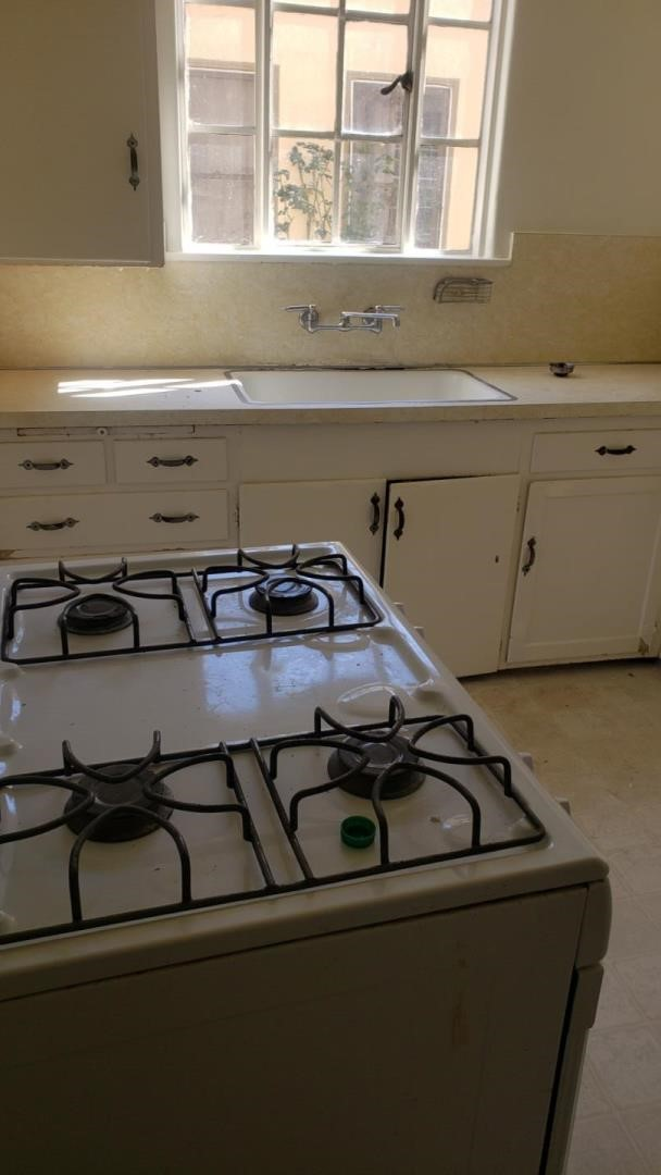 1015 Willow Glen Way, San Jose CA: http://media.crmls.org/mediaz/E633BC44-984D-4819-9431-28274A770670.jpg