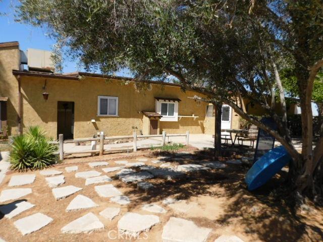 14297 Lynn Road, Apple Valley CA: http://media.crmls.org/mediaz/E6341AA5-B016-40BE-B7EC-69D24309479C.jpg