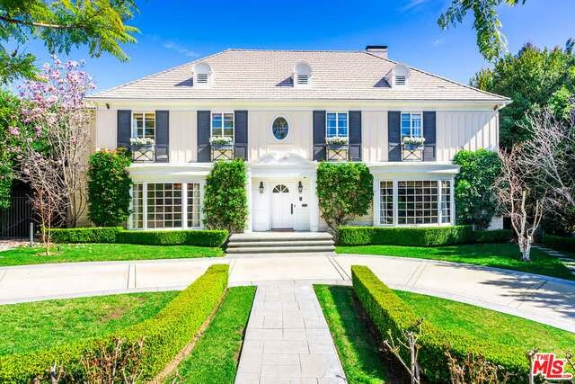 Photo of home for sale at 706 OAKHURST Drive N, Beverly Hills CA
