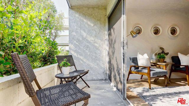 3565 Linden Avenue, Long Beach CA: http://media.crmls.org/mediaz/E69D580F-AB1D-4F94-A9B9-689A65E3DC39.jpg