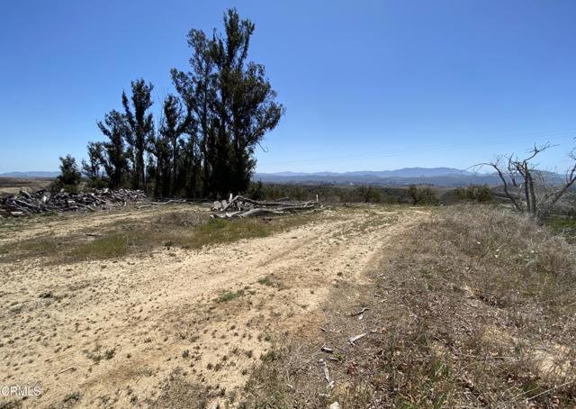 10165 Stockton Road, Moorpark CA: http://media.crmls.org/mediaz/E6A54743-797A-4D0A-9872-5F3B8CE3C04F.jpg
