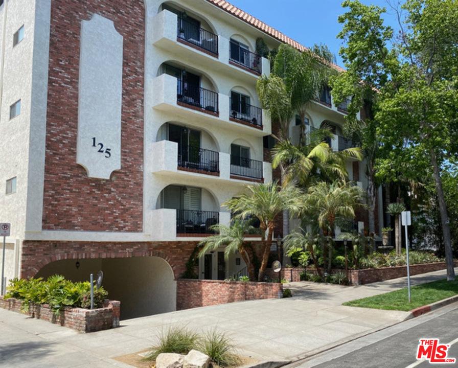 125 Montana Avenue # 404 Santa Monica CA 90403