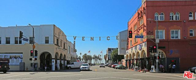 15 26TH Avenue, Venice CA: http://media.crmls.org/mediaz/E6C9352B-1710-4DFF-B7E4-2B26832562D0.jpg