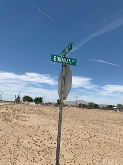 13970 Bonanza Road, Victorville CA: http://media.crmls.org/mediaz/E6E73E63-CB13-4F17-9CFD-3BAB7E33ADB0.jpg